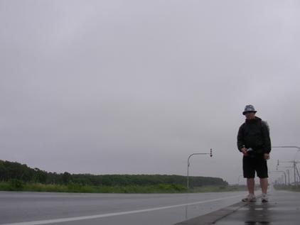 02_まっすぐな道_雨